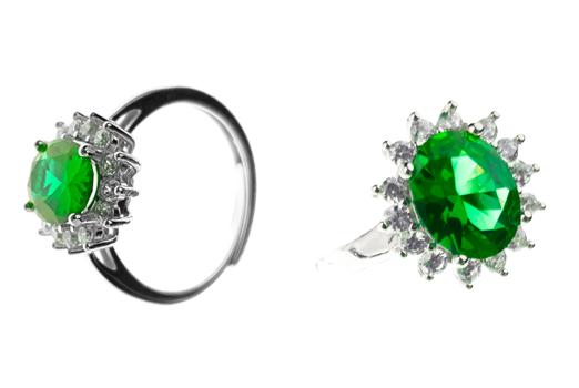 Chiara Ferragni e quell'anello prezioso che sta facendo impazzire il web