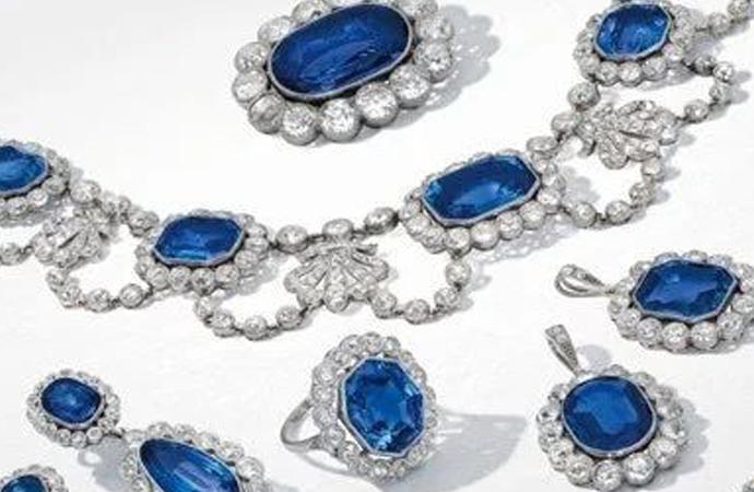 All'asta i diamanti e zaffiri della figlia adottiva di Napoleone